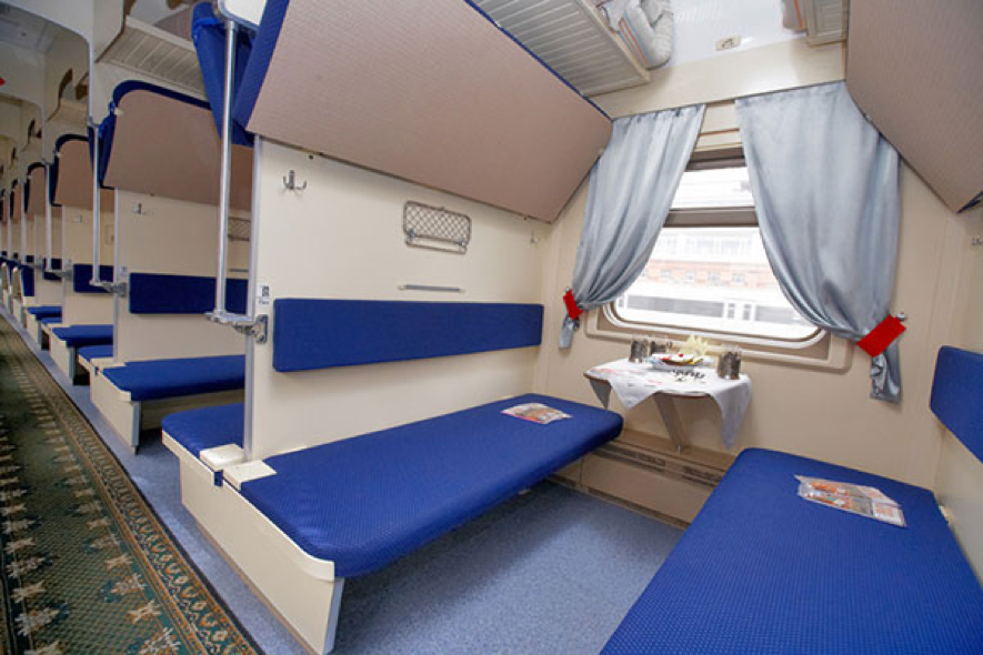 Third class compartment - Rossiya train - Platzkart