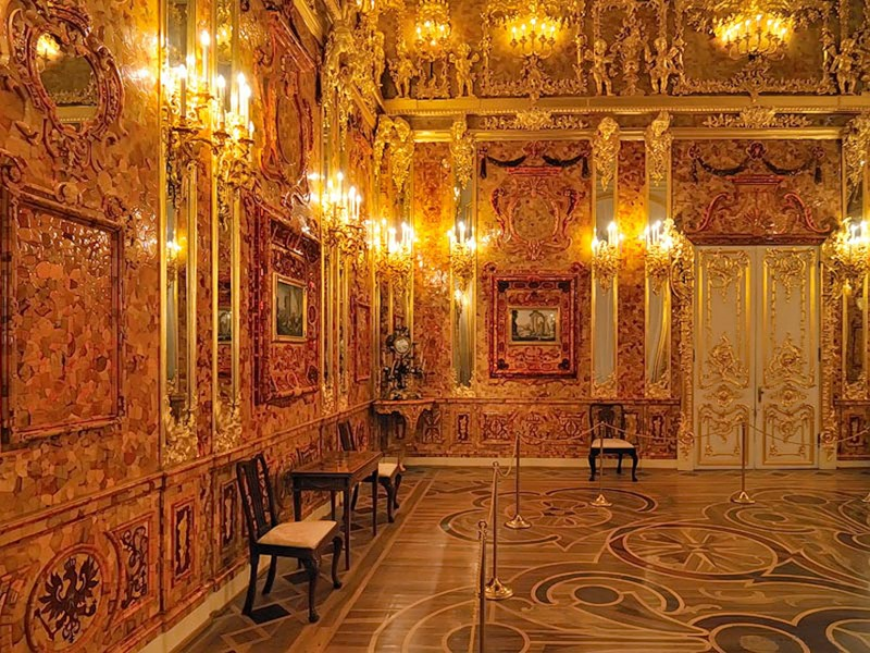 Catherine Palace in St. Petersburg - Amber chamber