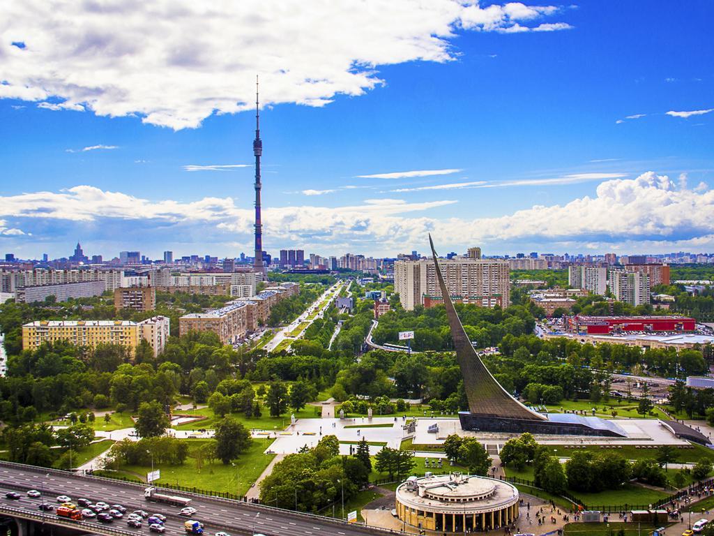 Ansichten vom Kosmos-Hotel in Moskau