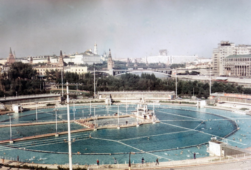 Largest pool in the world - Moscow