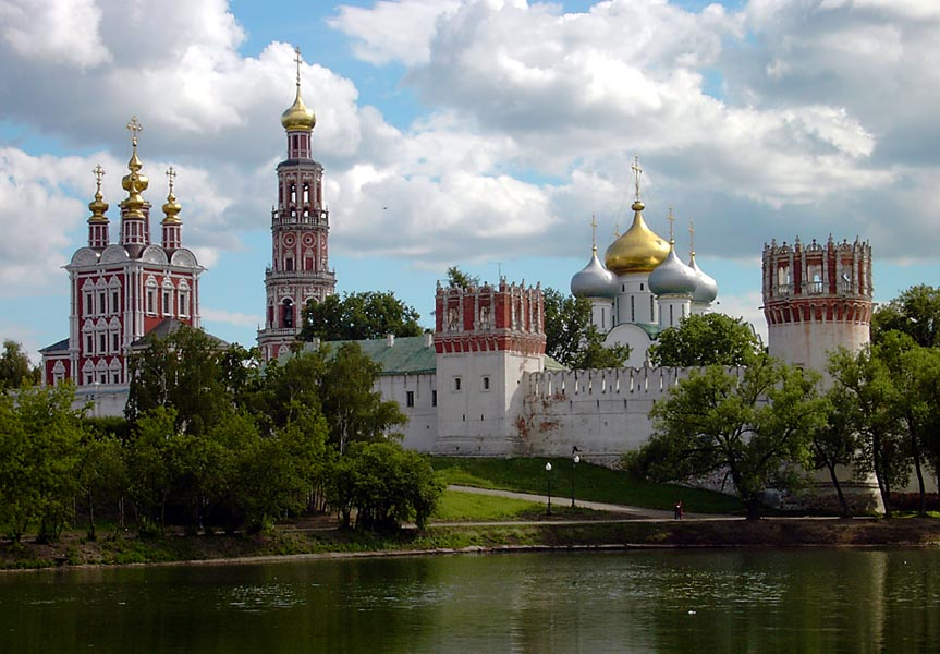 General view of Novodevichy convent - Featured image