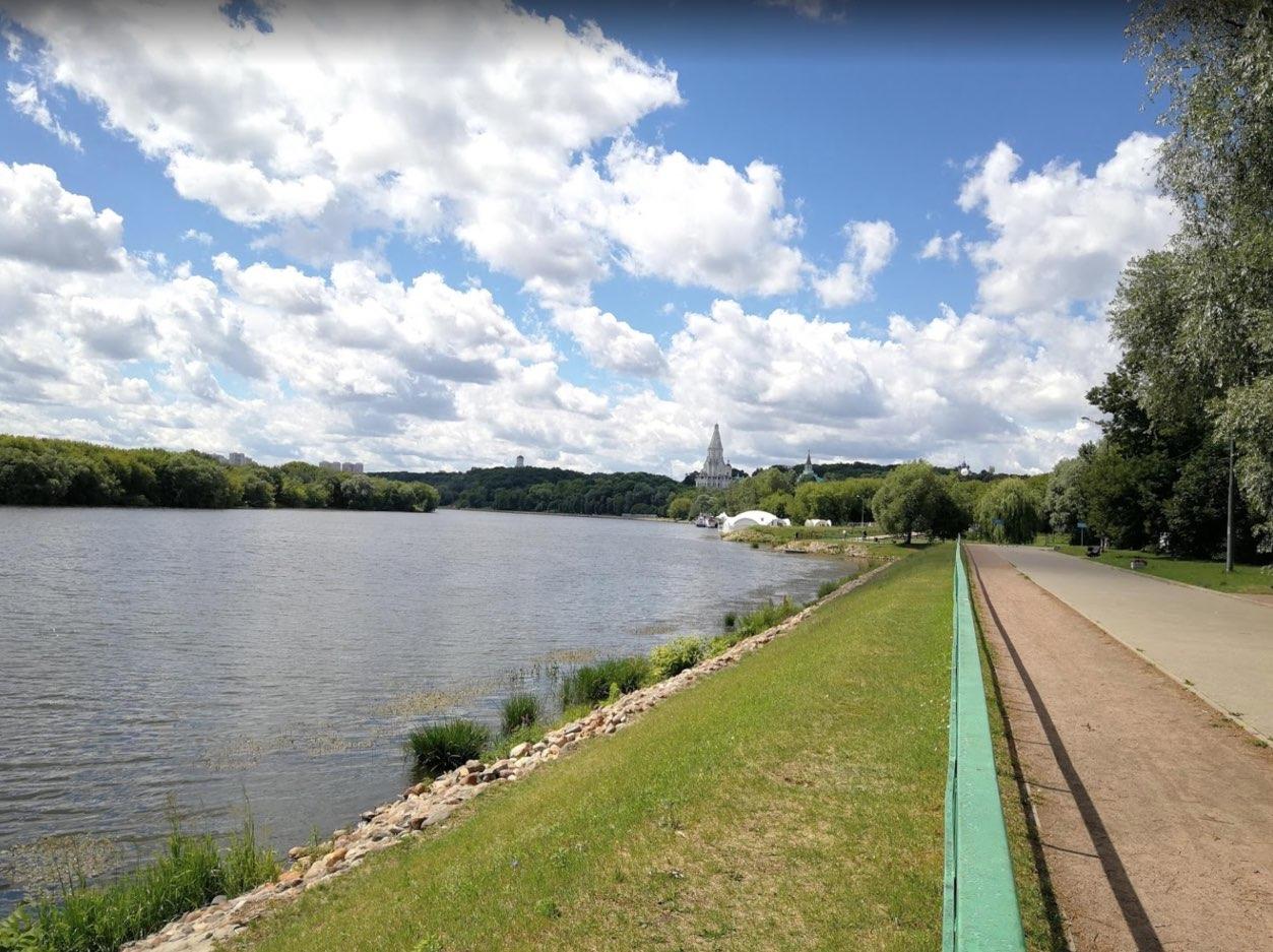 Promenez-vous le long de la rivière Moscova à Kolomenskoye