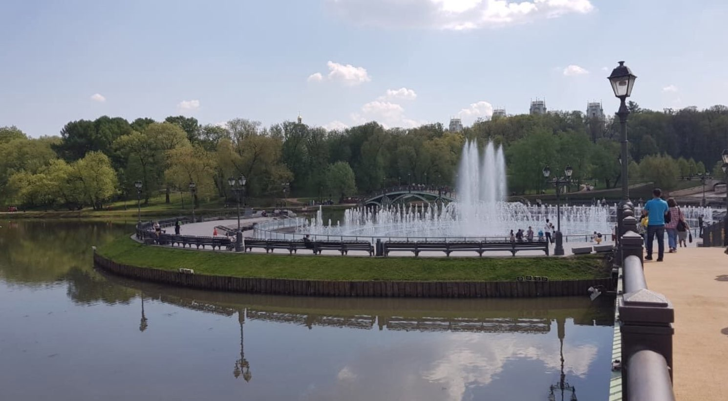 Musical fountain in the Tsaritsyno reserve museum
