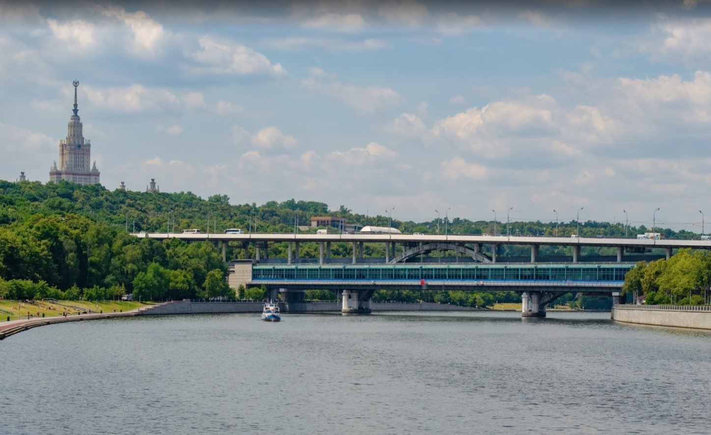Luzhnetskiy bridge