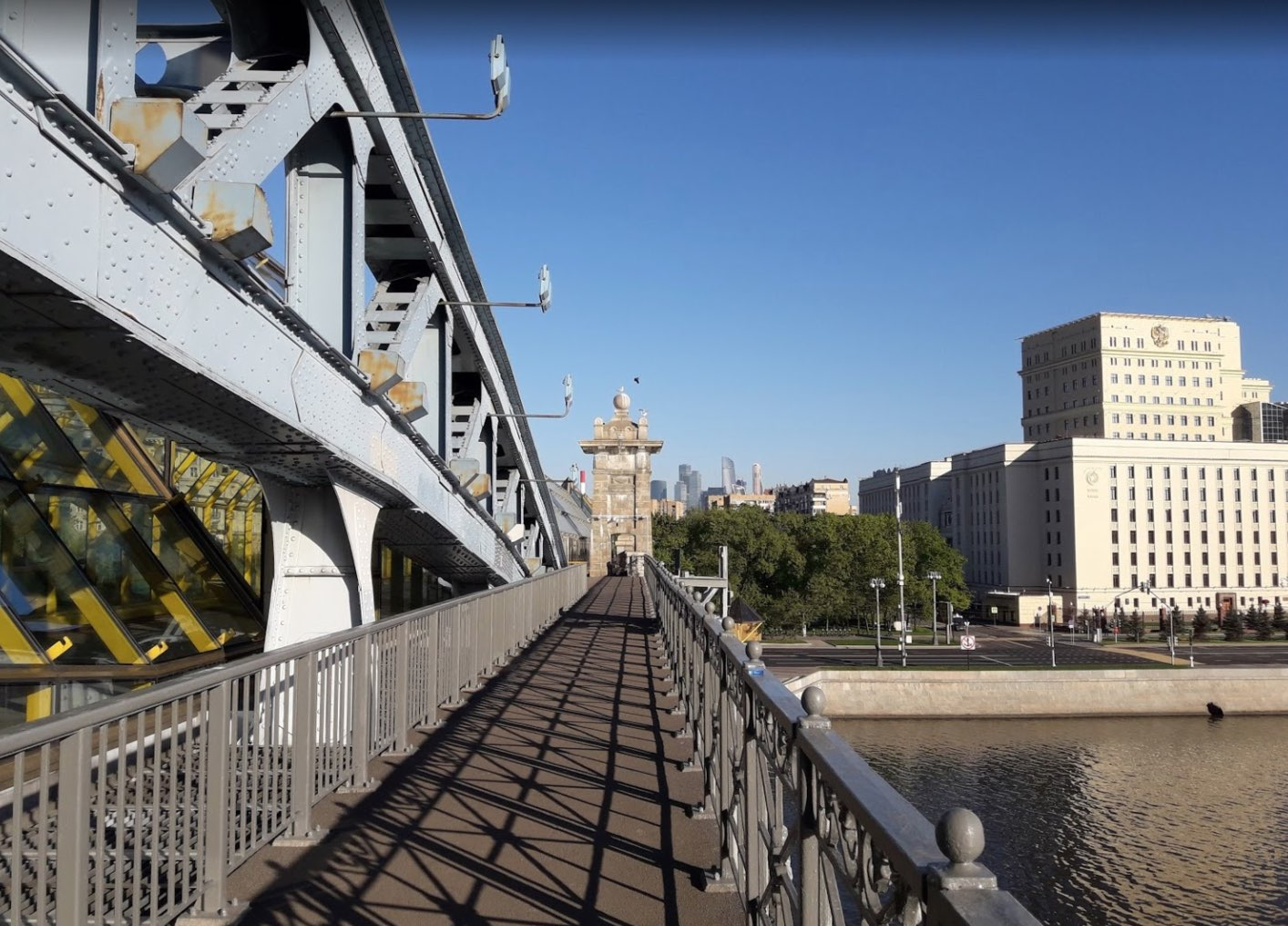 Passerella del ponte Pushkinskiy