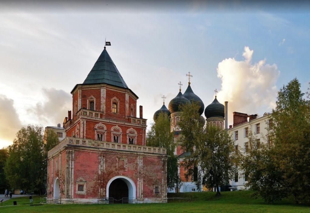 Bridge tower - Izmaylovo manor