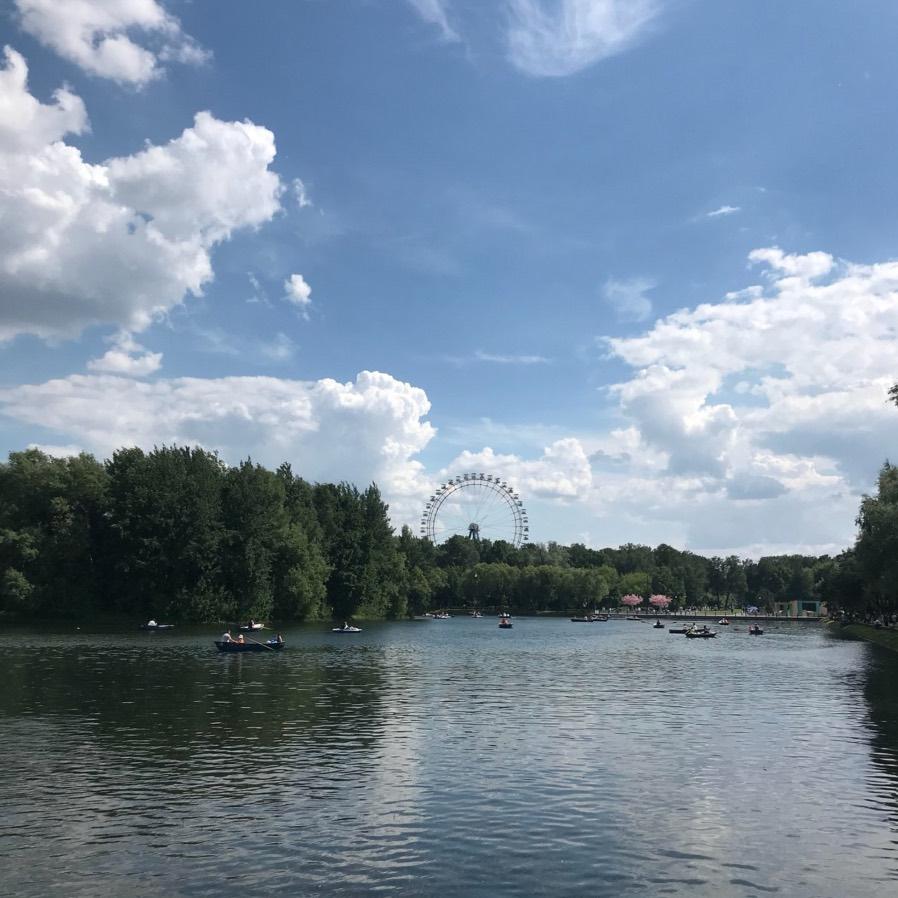 Izmaylovo park - Ruota panoramica sullo sfondo