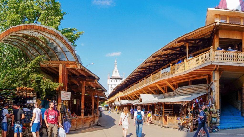Flea market Izmaylovo Kremlin