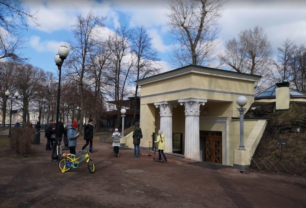 Historic public toilets - Gorky park