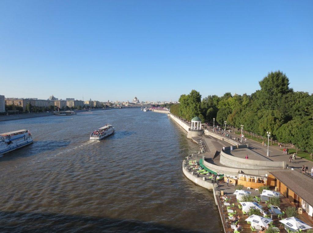 Viste dal ponte Pushkinskiy